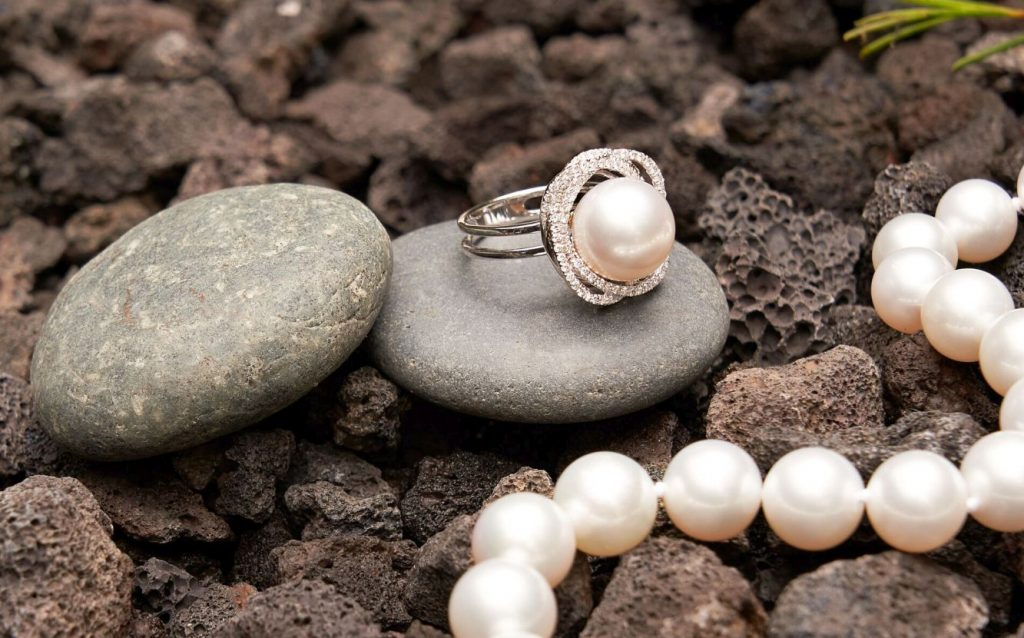 What-Piece-of-Jewelry-Do-You-Want-to-Buy